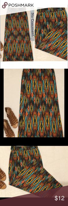 Maxi stylish skirt women's medium excellent cond. This stylish Maxi skirt is in excellent condition and comes from a smoke free home.  Only wore a couple of times.  Buy with confidence I am a top rated seller, mentor, and fast shipper.  Thank you. No Comment Skirts Maxi