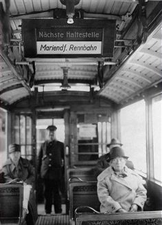 The first electric scoreboards indicating the next stop of Berlin's tramway.(3.Oktober 1928)
