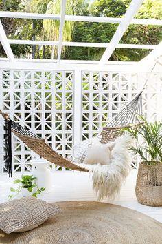 Backyard Hammock Ideas -Laying in a hammock is one of the most relaxing points worldwide. Check out lazy-day backyard hammock ideas! Backyard Hammock, Outdoor Hammock, Outdoor Balcony, Outdoor Rooms, Indoor Outdoor, Outdoor Living, Outdoor Decor, Hammock Ideas, Hammocks