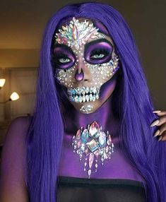 Amazing Halloween Makeup, Pretty Halloween, Halloween Kostüm, Halloween Face Makeup, Halloween Costumes, Awesome Makeup, Halloween Vampire, Brown Matte Lipstick, Natural Lipstick