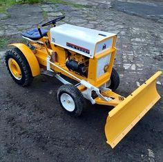 John Deere Garden Tractors, Yard Tractors, Lawn Mower Tractor, Small Tractors, Garden Tool Shed, Garden Tool Storage, Tractor Snow Plow, Cub Cadet Tractors, Garden Tractor Pulling