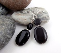 Black Stone Earrings - Vintage Jewellery - Dangle Drop Earrings by ReTainReUse on Etsy