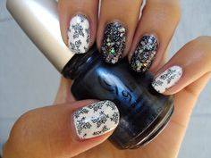 Chinese Pottery Inspired Nails