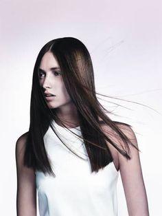 Davines präsentiert von www.my-hair-and-me.de #women #hair #haare #long #lang #brown #braun #mittelscheitel #white #dress #weißes #kleid