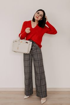 5 outfit ideas on how to combine plaid pants! Sweatpants Outfit, Adidas Outfit, Business Outfit Frau, Business Outfits, Office Outfits, Work Outfits, Business Casual, Workwear Fashion, Fall Fashion Outfits