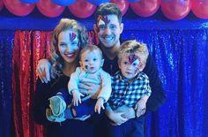 Filho de 3 anos de Michael Bublé tem 90% de chance de se curar