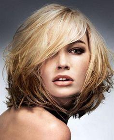 Стрижки на средние волосы круглое лицо фото
