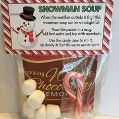 Snowman Soup - Printable Favor Tag Snowman Soup Printable Favor Bag Topper An adorable snowman soup poem is on the front of this topper while the back has To : and From: ready for you to fill in! Christmas Treat Bags, Christmas Party Favors, Cheap Christmas Gifts, Homemade Christmas Gifts, Homemade Gifts, Student Christmas Gifts, Diy Christmas Gifts For Kids, Christmas Parties, Teacher Gifts