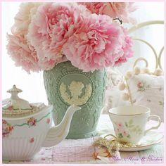 Aiken House & Gardens: Tea Time