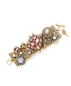 If anyone's curious about what gifts to get me for Xmas, I would gladly accept this bracelet- or basically anything from Betsey Johnson:) Except the cheetah necklace. That thing is insanely huge in person. Kthanks.