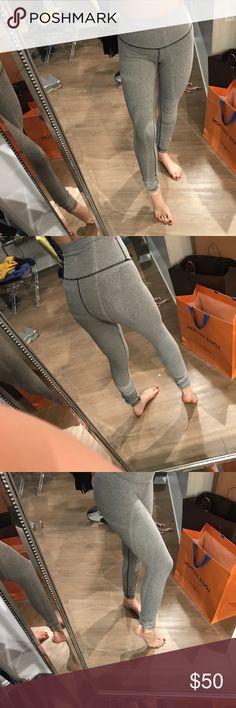 LULU LEMON LEGGINGS SIZE 4 Super soft no pilling worn maybe 2 times. Size 4! lululemon athletica Pants Leggings