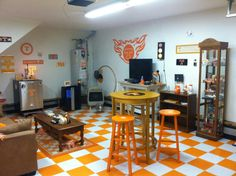 Tennessee Volunteers Man Cave - LOVE THE FLOOR!  I want this but will have to call it my Ladies Cave...