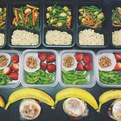 """""""Something about being organized calms the mind. Lookin good @mscrystaljade ! - Download @mealplanmagic to get organized with meal planning and learn how…"""""""