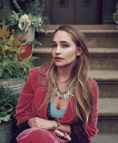 Jemima Kirke. Always looks great in velvet.