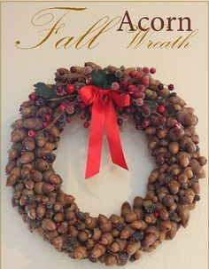 Fall acorn wreath tutorial, great decoration for Christmas too! Acorn Crafts, Pine Cone Crafts, Wreath Crafts, Diy Wreath, Fall Crafts, Holiday Crafts, Tulle Wreath, Burlap Wreaths, Wreaths And Garlands