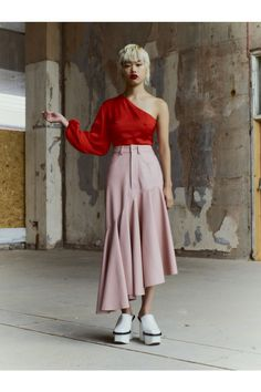 Solace London Spring 2019 Ready-to-Wear Fashion Show Collection: See the complete Solace London Spring 2019 Ready-to-Wear collection. Look 25 20s Fashion, Fashion Week, London Fashion, Runway Fashion, Trendy Fashion, Winter Fashion, Fashion Outfits, Fashion Trends, Spring Fashion