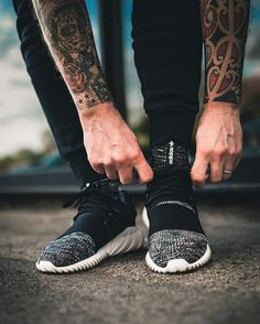 bc35982cf304 Instagram post by Sneakersnstuff • Apr 10
