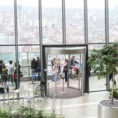 Vielä kerran / Once more Sky Garden! Ehkäpä Lontoon upein näköalapaikka. Kuvia blogissa. #uusiblogipostaus #linkkiprofiilissa #great #skygarden #pilvenpiirtäjä #skycraper 155 m high and 360-degree #panoramic #london #lontoo #lifeofadventure #igtravels #londonisalwaysagoodidea #nevernottraveling #travellondon #traveladventure #visitlondon #visitengland #tuulaslife #åblogit #nelkytplusblogit #londonislove