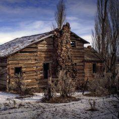 """Abandoned Wood Home near Post, Oregon | Photo by Michael Kinnaman"""