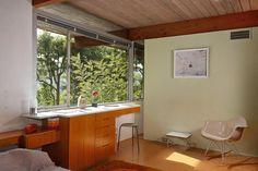 The Hailey Residence, a small mid-century modern house by architect Richard Neutra   www.facebook.com/SmallHouseBliss