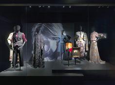 GRUNGE theme - Dries Van Noten Inspirations @ MoMu Fashion Museum Antwerp / (c) Koen de Waal