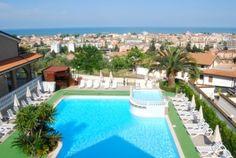 Residence Tortoreto (Abruzzo) riviera adriatica - Il Borgo Residence  è l'ideale per vacanze mare; dispone di: piscina, ristorante, internet, parcheggio.