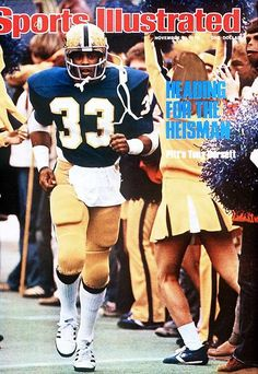 Tony Dorsett of the Pittsburgh Panthers on the cover of Sports Illustrated, November 1976