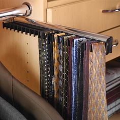"""Hafele tie rack with 3/4 extension slideSize: 2-3/16"""" x 1-11/16"""" (W x H)Material: aluminum with anodized or powder-coated finishAvailable in two lengths and six different finishes"""