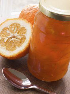 Prueba esta mermelada de naranja para rellenar cualquier postre o simplemente para acompañarla con un delicioso pan y un café caliente.