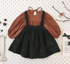Die letzten Stücke von Soor Ploom sind jetzt im SALE! Kids Dress Wear, Little Girl Dresses, Girls Dresses, Baby Girl Fashion, Toddler Fashion, Kids Fashion, Baby Girl Dress Patterns, Baby Dress, Cute Baby Clothes