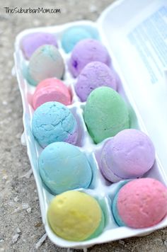 DIY Sidewalk Chalk Easter Eggs Tutorial - The Suburban Mom Easter Crafts, Fun Crafts, Diy And Crafts, Homemade Sidewalk Chalk, Easter Eggs Kids, Easter Holidays, Egg Shape, Egg Shells, Easter Baskets