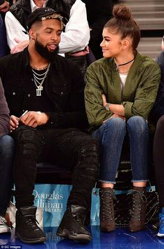 Zendaya with Odell Beckham Jr. at the New York Knicks vs Oklahoma City Thunder game at Madison Square Garden in NYC Cute Relationship Goals, Cute Relationships, Black Couples, Cute Couples, Young Couples, Odell Beckham Jr, Bae Goals, Squad Goals, Zendaya Coleman