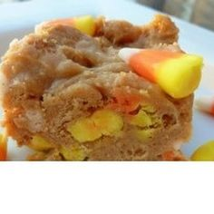 #Leftoverhalloweencandy? Try these #chewy #candycorn #nutterbutter #bars! #desserts #halloween
