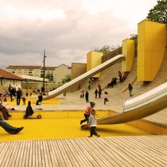 'The Rampart Wave', playground, Blandan park, Lyon, France (by BASE landscape designer mandatory)
