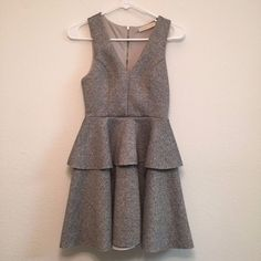Everleigh Womens Small Gray A Line Tiered Skirt Sleeveless Sheath Dress #Everleigh #AsymmetricalHemTieredSheath