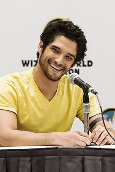 Tyler Posey at Wizard World Comicon at Oregon Convention Center on January 2015 in Portland, Oregon. Tyler Posey Teen Wolf, Teen Wolf Dylan, Teen Wolf Cast, Dylan O'brien, Without A Trace, Scott Mccall, Smallville, Mtv, Santa Monica