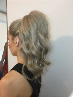 Wavy high ponytail,wedding hair,bridesmaids hairstyle