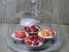 Ma petite cuisine gourmande sans gluten ni lactose: Tartelettes crues aux fraises et aux abricots et à la farine de souchet sans gluten, sans lactose, sans oeuf ...