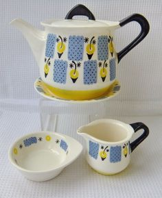 This listing is for a retro teapot, teapot stand and matching cream and sugar Good condition, no damages Just a little staining to the inner collar of the teapot lid Teapot measures approx x Vintage Pottery, Vintage Ceramic, Vintage Kitchenware, Vintage Coffee, Ceramic Plates, Vintage China, Design Crafts, Scandinavian Design, Norway