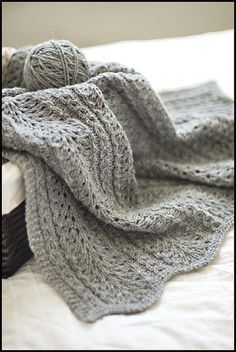 Shale pattern baby blanket: Knitting tutorial