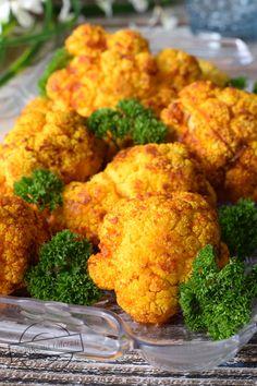 Pieczony kalafior – Smaki na talerzu Dining Etiquette, Kfc, Cauliflower, I Foods, Vegan Recipes, Food And Drink, Menu, Vegetarian, Tasty