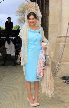 Lourdes Montes, after her great moment as godmother of honor Spanish Wedding Invitations, Bright Wedding Colors, Flamenco Costume, Church Ceremony, Beautiful Dresses, Dress Up, Sari, Womens Fashion, Fashion 2016