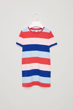This t-shirt style dress is designed with a contrasting striped pattern. Made from soft cotton jersey with a comfortable stretch, it has a round neckline, short sleeves and double topstitch finishes.