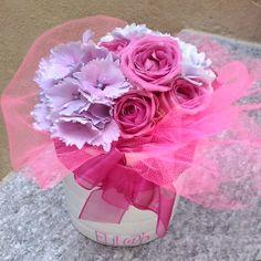 Bouquet di ortensie e roselline nelle tinte pastello del rosa