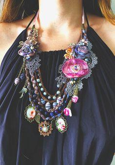 Gypsy Jewelry, Old Jewelry, Beaded Jewelry, Textile Jewelry, Fabric Jewelry, Style Shabby Chic, Vintage Jewelry Crafts, Fabric Necklace, Lace Necklace