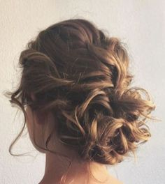 50 perfect curly hair style for your wedding ideas 46