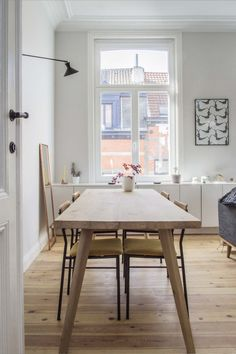 vintage meets modern dining room | Brussel apartment visit | sitsitso.com