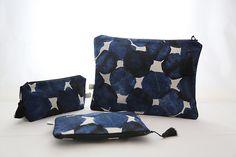 trousses en tissus japonais Textiles, Diaper Bag, Creations, Bags, Objects, Handbags, Diaper Bags, Mothers Bag, Fabrics