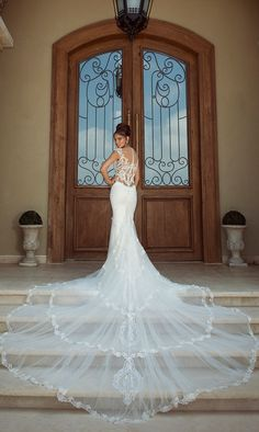 Dresses from the 2014 Galia Lahav Empress Deck Bridal Collection. Click to see the entire collection!