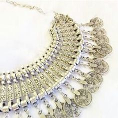 Beautiful necklace by Druzydreams :)